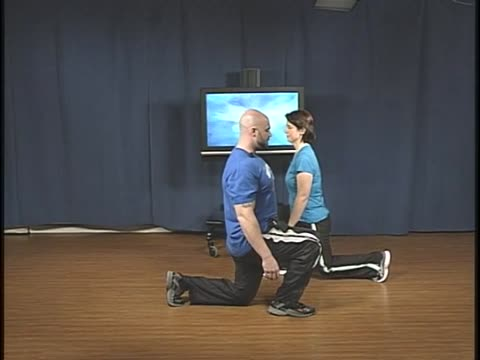 Totally Toned, Front-Back Lunge